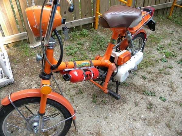 1978 Honda Express 1 - One Of My Previous Posts I Talked About The Best Cheapest Way To Carry Extra Fuel On My Honda Scooter Express Here It Is Visit Your Local Camping Store - 1978 Honda Express 1
