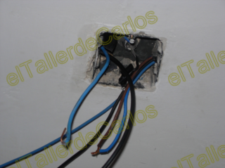 Eltallerdecarlos meter cables de la luz por tubos - Cambiar instalacion electrica sin rozas ...