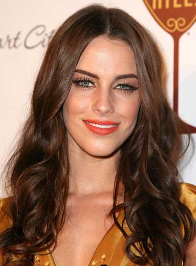 http://3.bp.blogspot.com/_ZljWNIXG234/TP36byxBZ0I/AAAAAAAABDU/XCxqhQqfiW8/s1600/jessica-lowndes-long-wavy-tousled-sexy-brunette.jpg