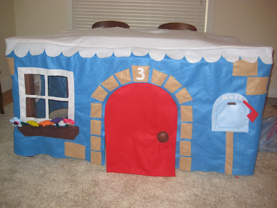 Fold up card table fort