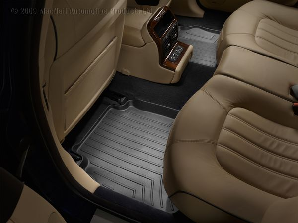 Chevrolet Traverse Interior Photos. Chevy Traverse Floor Mats.