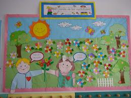 Mural con el lema del año