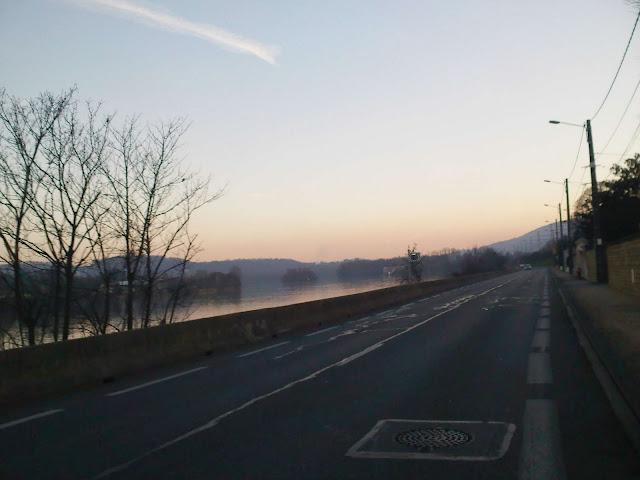 quais de saone au coucher du soleil
