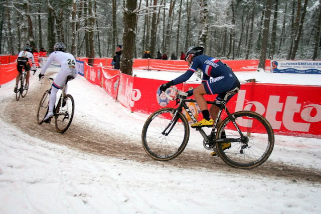 cyclocross dans la neige