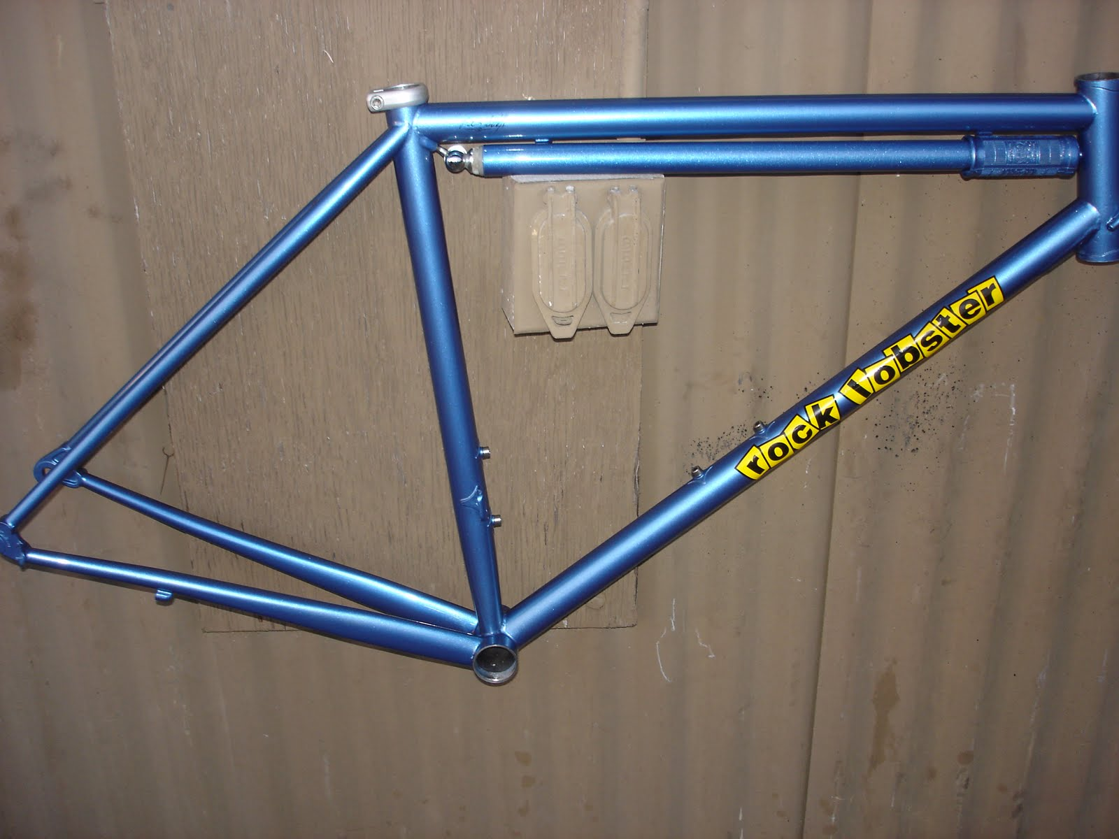 way back in the 70s the thing to do with your custom frame was to have a silca pump painted to match the paint of the day was not powdercoat but du