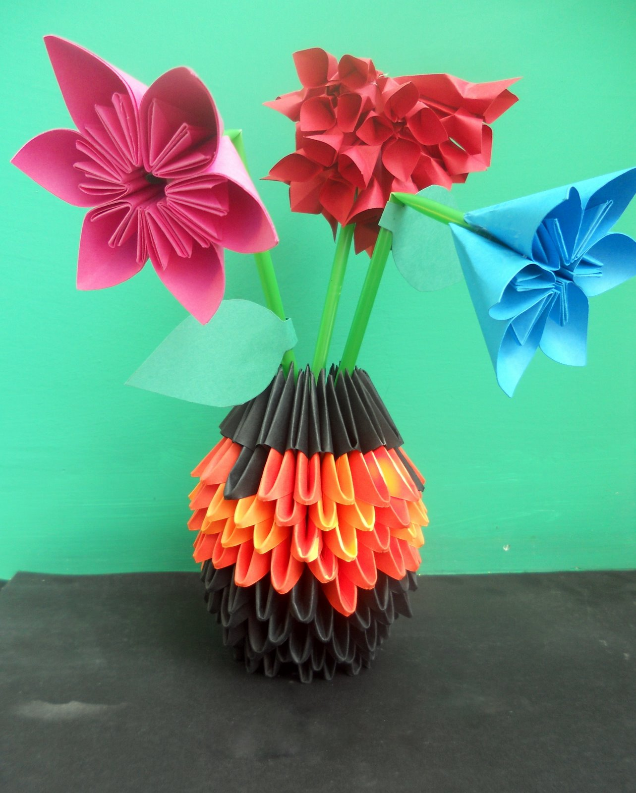 3d Origami Flower And Vases Download