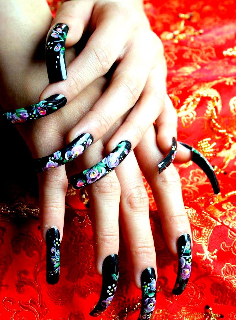 http://3.bp.blogspot.com/_ZpIcAP28rBA/SwYAKiJ0UcI/AAAAAAAAAYM/6bXTJZ0_ae0/s1600/nail+art+designs.JPG