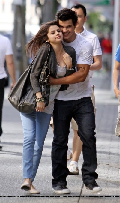 selena gomez taylor lautner kiss. pictures Taylor Lautner selena