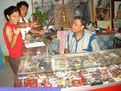Thai amulets for sale in Thailand