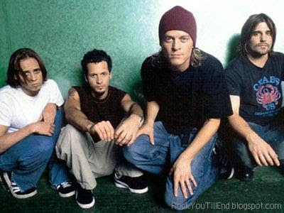 Puddle Of Mudd members pic