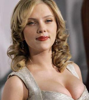 scarlett johanson%252Bantiaging Well people, the hugely anticipated Colin Farrell sex tape hit the internet ...