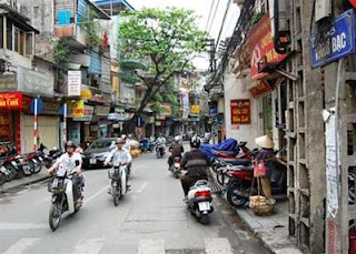 Hang Bac street- famous silver and gold jewellery in Hanoi