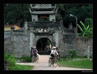 Gate of Uoc Le village