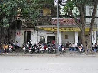 Nguyen Du - Street cafe sidewalk