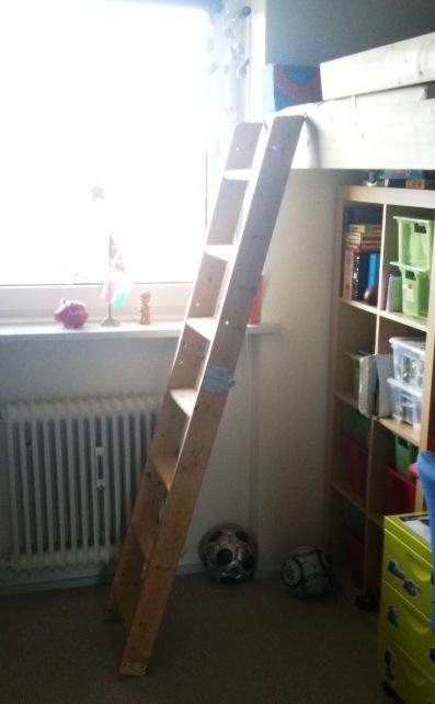 Livet uten filter: smart innredning   sengehems på lite barnerom