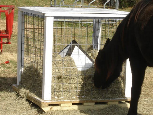 Homemade Outdoor Hay Feeder Page 2 Horse And Hound Forum