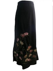 DAPATKAN ENGLISH GARDEN A LINE SKIRT YANG SANGAT CANTIK. Klik di sini