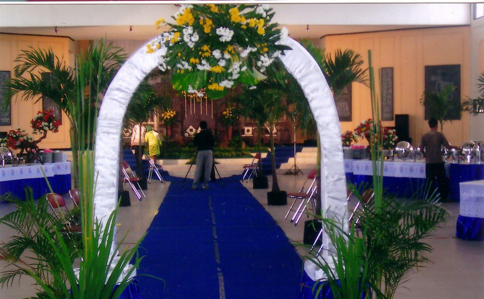 Dekor pengantin cake ideas and designs for Dekor kamar hotel