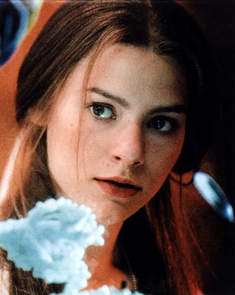 Claire Dane Movies on Cross Between A Young Sofia Coppola And Romeo Juliet Era Claire Danes