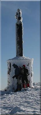 Figura de San Lorenzo en la cima