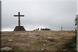 Cruz de Alda, buzón a la derecha