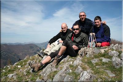 Urkieta mendiaren gailurra 854 m.  -  2009ko apirilaren 9an