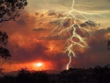 Sou raio e tempestade... sou calmaria também.