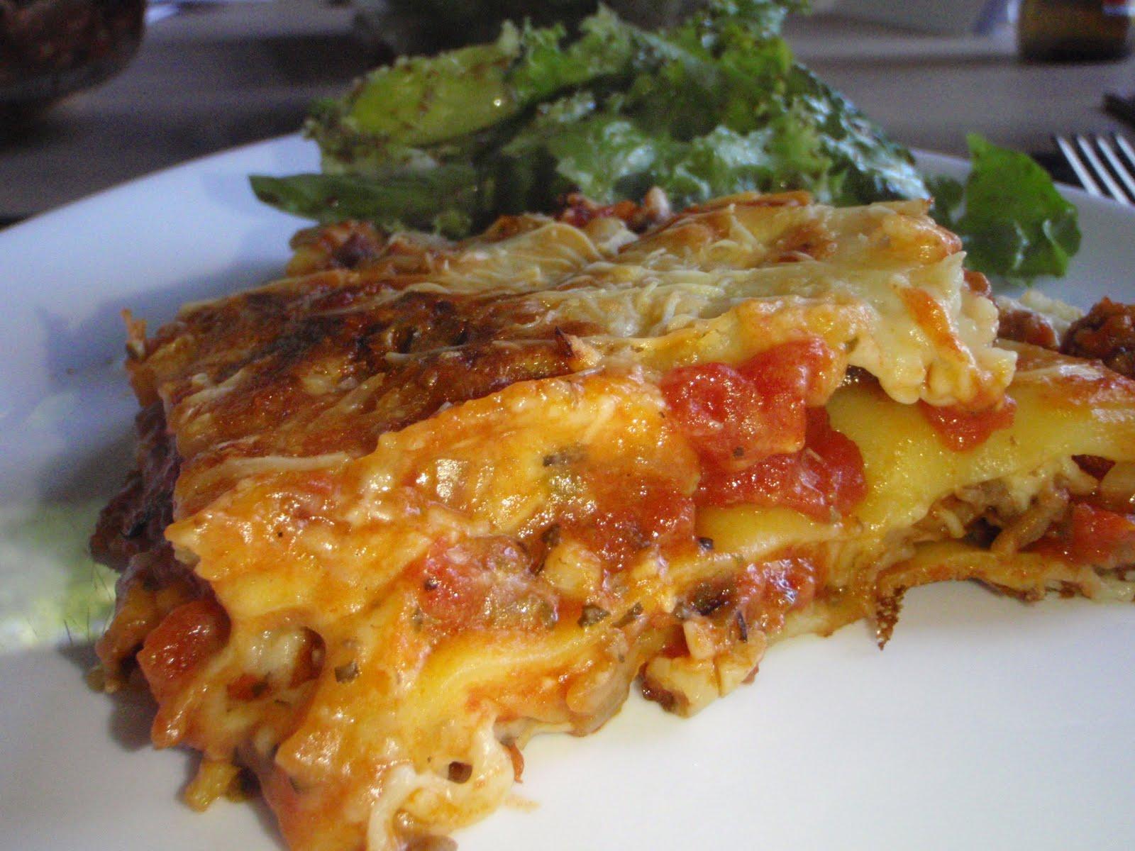 made my lasagna again... always so good. I added a little nutmeg in ...