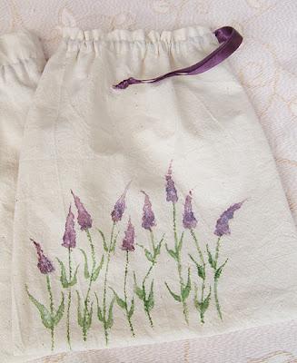 woreczek na drobiazgi z surówki bawełnianej z motywem lawendy, ręcznie malowany