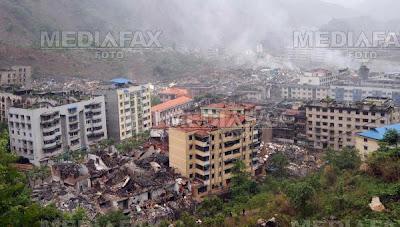 Oraşe distruse, după cutremurul din China
