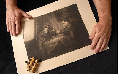 Hitler jucand şah cu Lenin