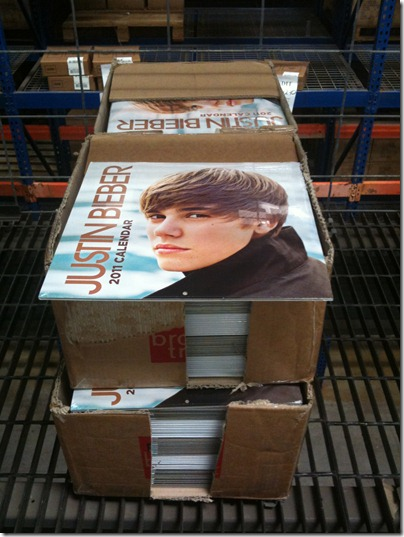fan of this teen pop star, then grab this Justin Bieber 2011 Calendar .