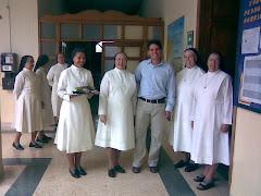 Hermanas con Secretario de Gobierno