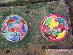 Peças em cerâmica esmaltada