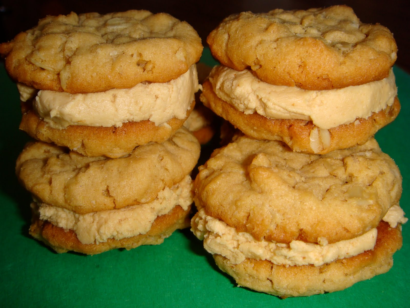 Mag-Pie's & more: Peanut Butter Oatmeal Sandwich Cookies