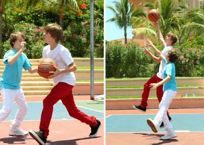 Justin Bieber Playing Baskelball