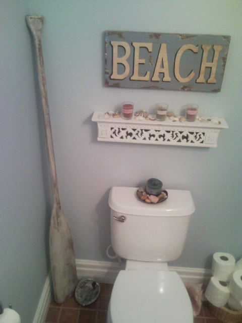 Sacramentune beach themed bathroom for Beach decor bathroom ideas