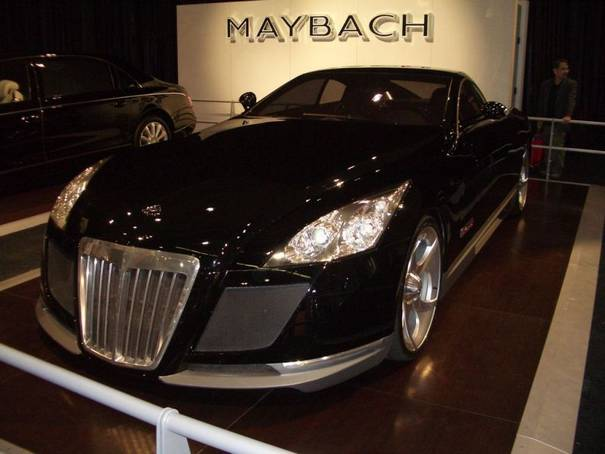 Maybach Exelero 2009. Maybach Exelero Logo.