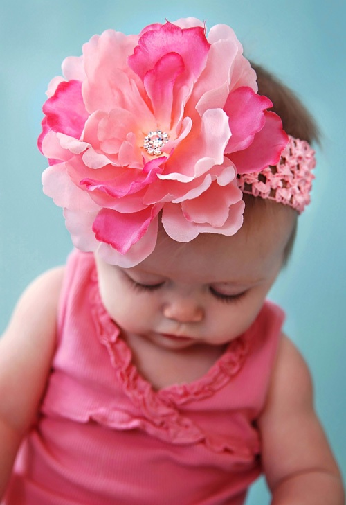 Here at Pink Bowtique we have a large selection of bows for Christmas, Valentines Day, Easter, 4th Of July, Halloween & Thanksgiving. Our Holiday and Seasonal Bows will add elegance to any outfit! Find the perfect bow for your little baby girl.