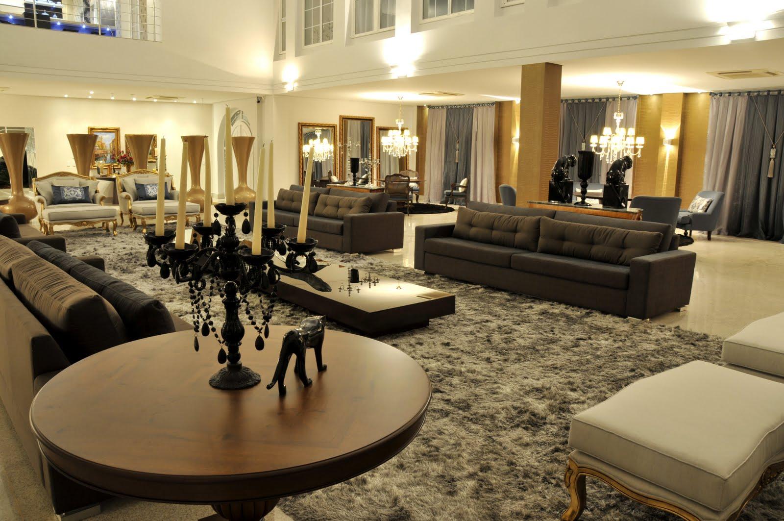... 20/06/10 - Sala de estar traz luxo e sofistica??o para a 3? Mosarq