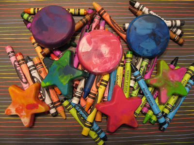 how to make recycled crayons, recycled crayons, upcycle crayons, make new crayons out of broken crayons