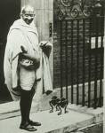 MAHATMA GANDHI - STATESMAN - CIVIL RIGHTS ACTIVIST - (1869-1948)