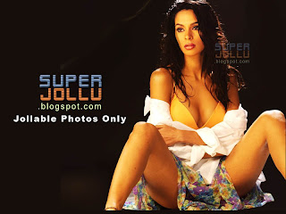 Malaika sherawat the most glamorous girl in bollywood india showing her thighs