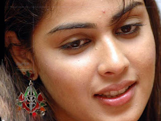 Genelia D souza  with nice ear rings