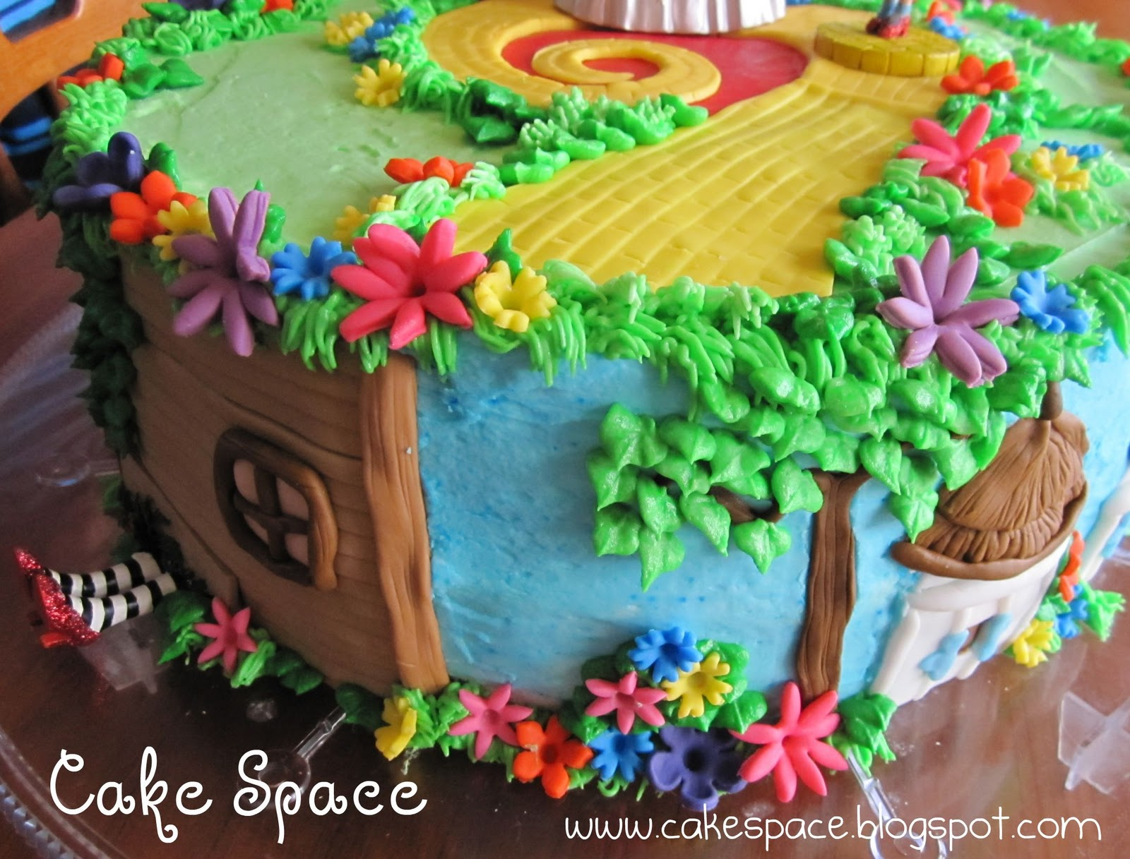 Image Result For Wizard Of Oz Birthday Cake Figurines