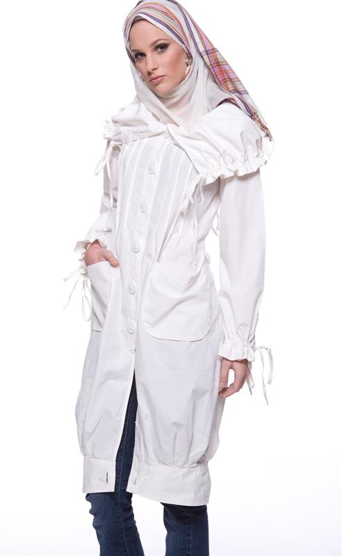 Chic muslim street fashion