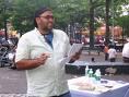 Juan Tineo es un escritor dominicano residente en los Estados Unidos,al que todos debemos apoyar