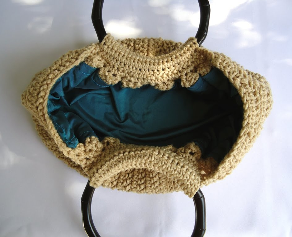Stitch of Love: Crochet Fat Bottom Bag