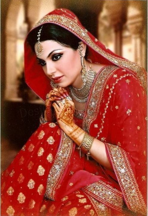 Latest fashion punjabi bridal dresses for Punjabi wedding dresses online