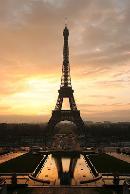 หอไอเฟล (ฝรั่งเศส: tour eiffel